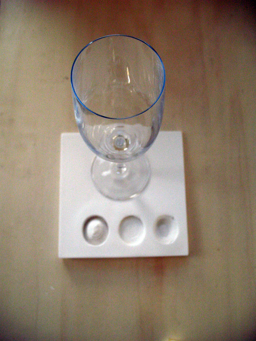 le verre de vin accompagne le vert de poireau